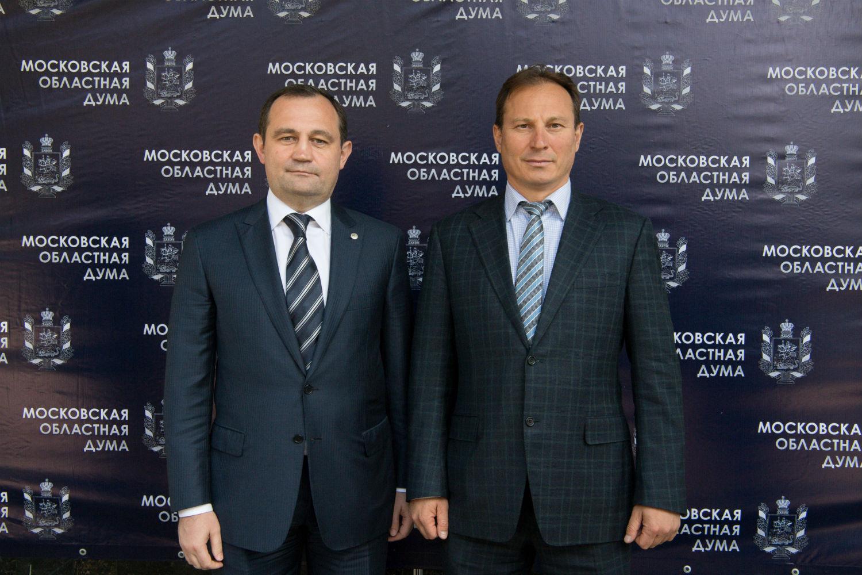Головнёв депутат гос думы член партии единая россия